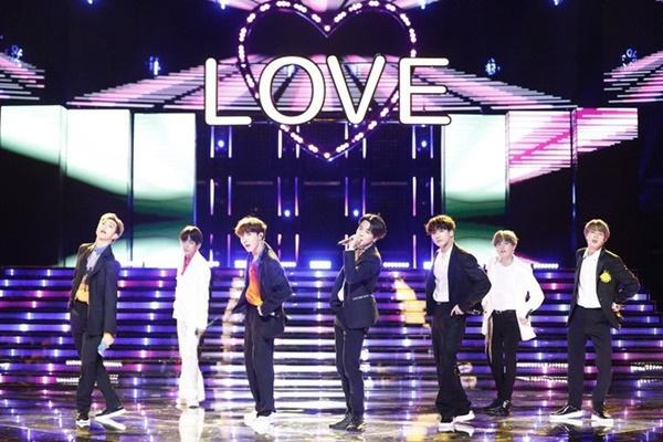 BTS tiêu thụ số vé kỷ lục trong tour lưu diễn vòng quanh thế giới-1
