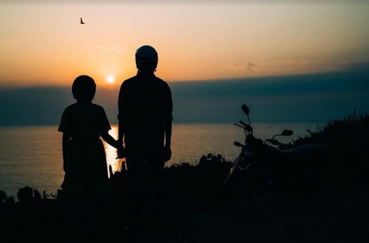 Chuyện tình đẹp như mơ của cặp đôi 9 ngày gây sốt, anh và em nắm tay nhau đi khắp thế gian này-1