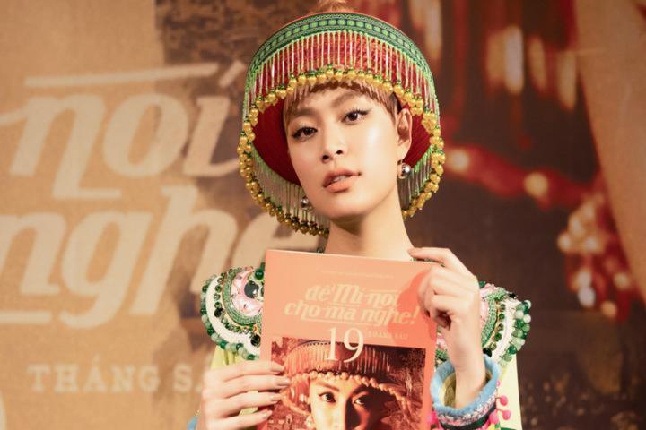 Mang cả dàn vedette văn học vào MV mới, Hoàng Thùy Linh được hàng trăm sĩ tử Việt phong danh thánh đoán đề-1