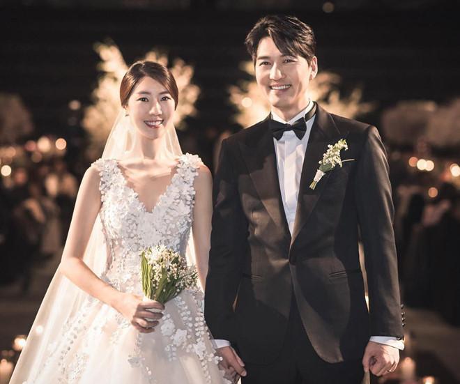 Tái xuất với mái tóc dài óng ả, Park Shin Hye gây sốt với nhan sắc tựa nữ thần-3