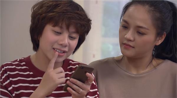 Ánh Dương ăn dưa bở, tưởng ông Quốc tán tỉnh mình trong tập 50 Về Nhà Đi Con-1