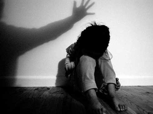 Nghi vấn nữ sinh vừa đỗ cấp 3 bị chủ quầy thuốc xâm hại tình dục-1