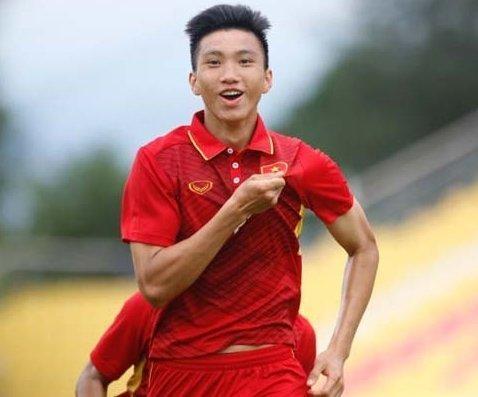 HOT CHƯA TỪNG CÓ: Đoàn Văn Hậu của tuyển Việt Nam được CLB đình đám nước Áo đòi mua đứt với giá cao kỷ lục-2