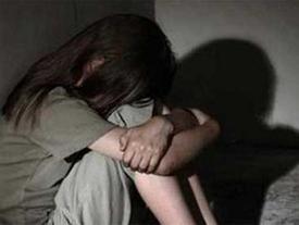 Đến ngủ trưa tại nhà hàng xóm, nam thanh niên cưỡng hiếp con gái chủ nhà