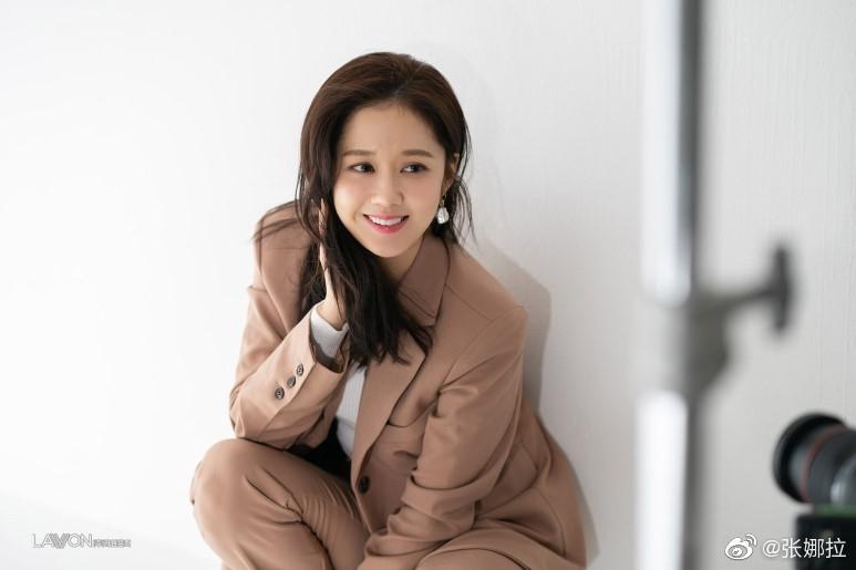 Jang Nara liên tiếp khiến fan loạn nhịp với gương mặt không chút nếp nhăn, U40 mà như gái 18-4