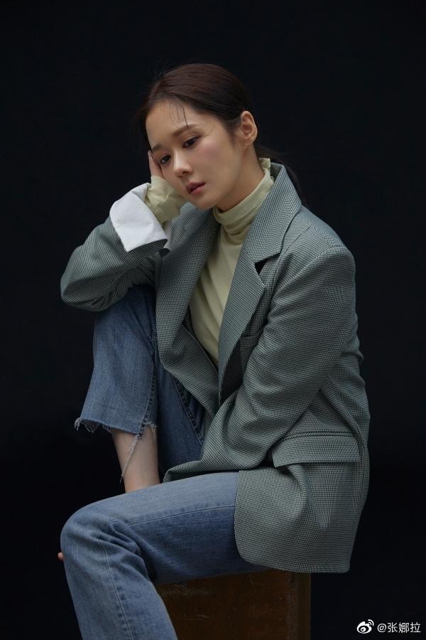 Jang Nara liên tiếp khiến fan loạn nhịp với gương mặt không chút nếp nhăn, U40 mà như gái 18-8