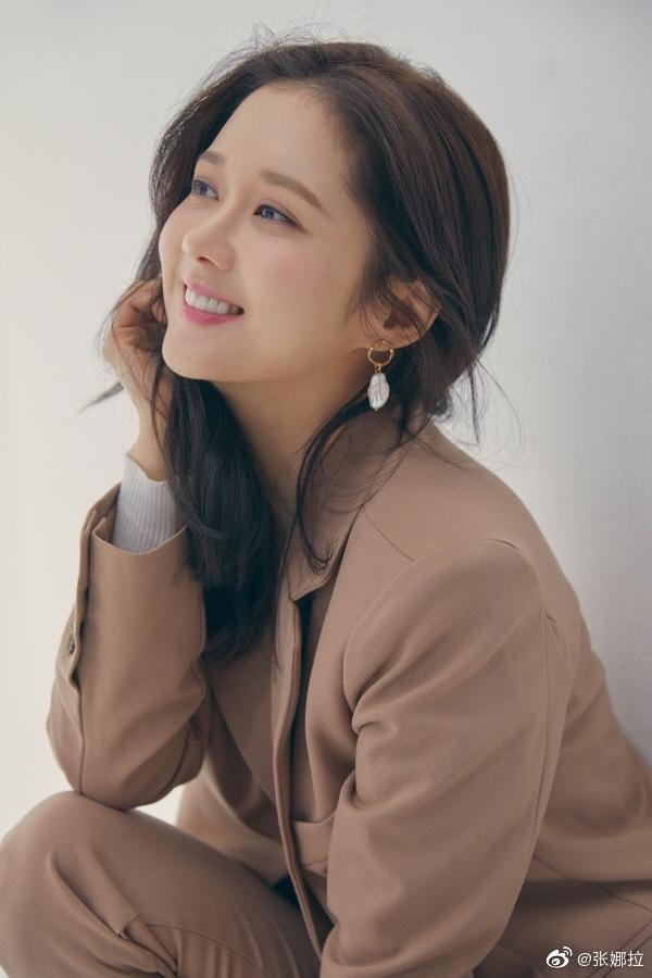 Jang Nara liên tiếp khiến fan loạn nhịp với gương mặt không chút nếp nhăn, U40 mà như gái 18-6