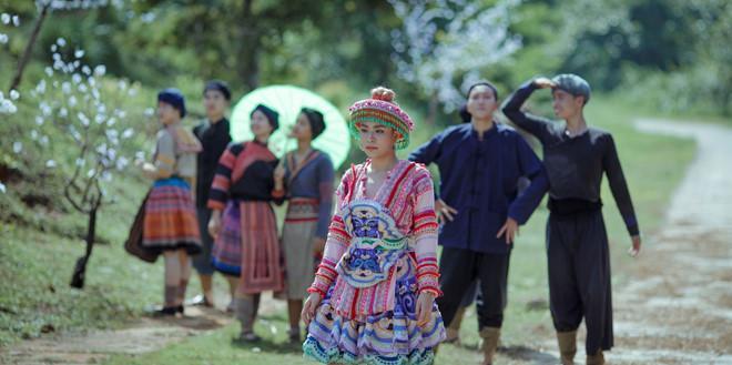 Lý do Hoàng Thùy Linh chọn trang phục dân tộc Mông trong MV mới-2