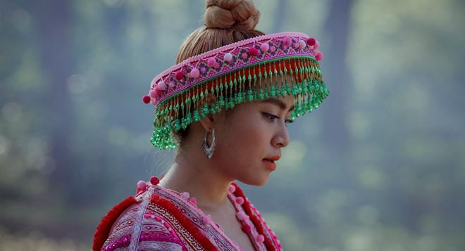 Lý do Hoàng Thùy Linh chọn trang phục dân tộc Mông trong MV mới-8