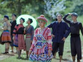 Lý do Hoàng Thùy Linh chọn trang phục dân tộc Mông trong MV mới