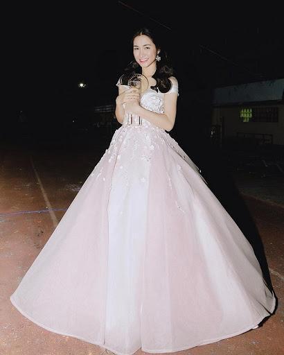 Đi diễn 10 show hết 8 show diện đầm công chúa, Hòa Minzy tiết lộ nguyên nhân-3