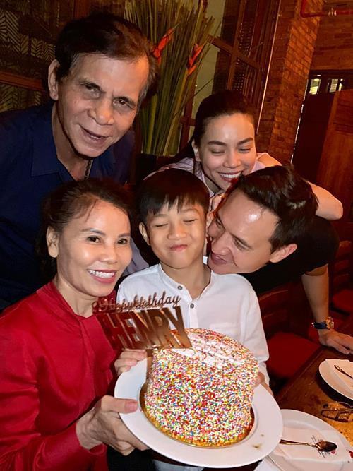 Hồ Ngọc Hà - Cường Đô La tái hợp trong dịp sinh nhật của con trai Subeo-4