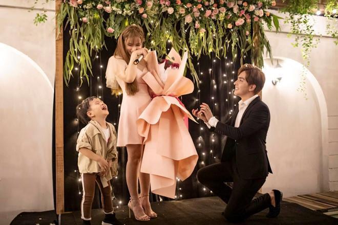 Ca sĩ Thu Thủy và bạn trai kém 10 tuổi cưới vào tháng 7?-1