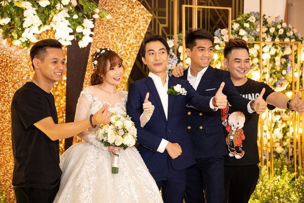 PewPew công khai xuất hiện cùng bạn gái tại đám cưới Cris Phan-1