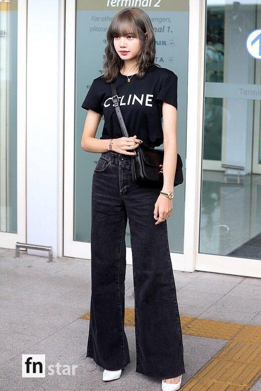 Từ sân bay tới đường phố, Lisa (BlackPink) gây bão với trang phục giản dị nhưng ai dè lại siêu đắt-2
