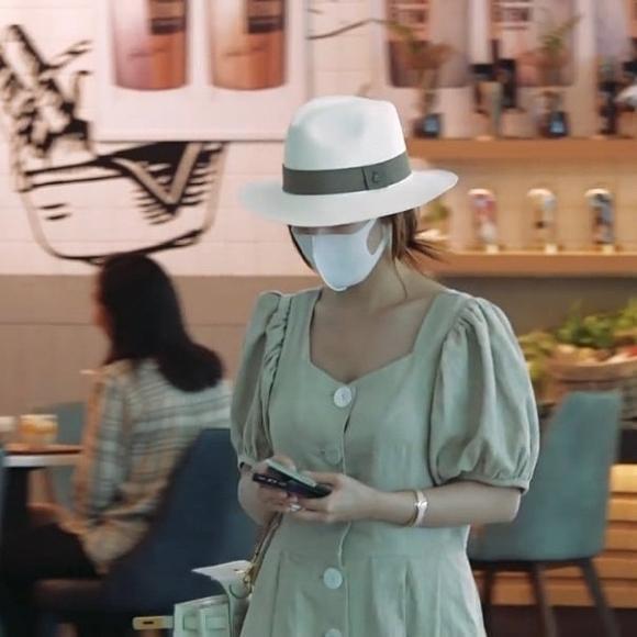 Đeo khẩu trang kín mít nhưng Park Min Young vẫn bị tóm gọn khi cùng gia đình sang nước ngoài du lịch-2