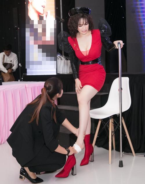 Bí mật hậu trường tiết lộ sao Việt muốn đẹp phải chịu đau-6