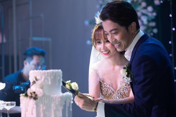 Cris Phan nghẹn ngào nhắn Mai Quỳnh Anh trong đám cưới ở TP.HCM: Việt Nam có 95 triệu người nhưng anh lại tìm được em-3