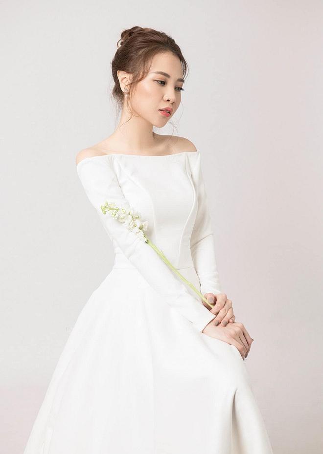 Sau khi khoe chiếc váy cưới na ná Hồ Ngọc Hà, động thái của vợ mới Cường Đô La tiếp tục khiến nhiều người chú ý-3