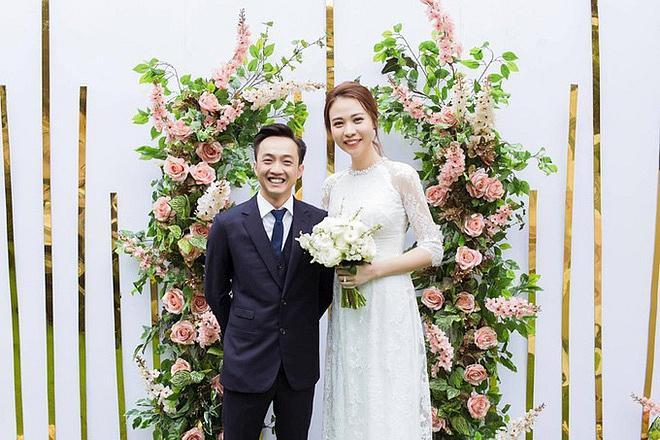 Sau khi khoe chiếc váy cưới na ná Hồ Ngọc Hà, động thái của vợ mới Cường Đô La tiếp tục khiến nhiều người chú ý-8