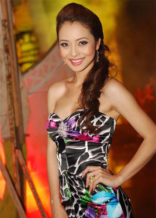 Đâu chỉ riêng Ngọc Trinh, nhiều mỹ nhân Việt xinh tuyệt đỉnh nhưng vùng nách thâm đen lại không thể giấu đâu cho kỹ-6