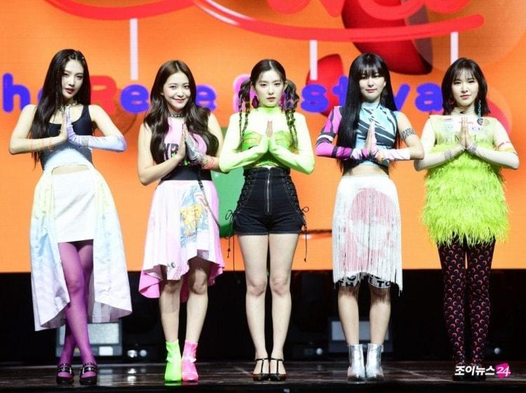 Vbiz có HKT cũng chưa là gì so với màn lên đồ thảm họa của DBSK, SNSD, SHINee... nhà SM Entertainment-6