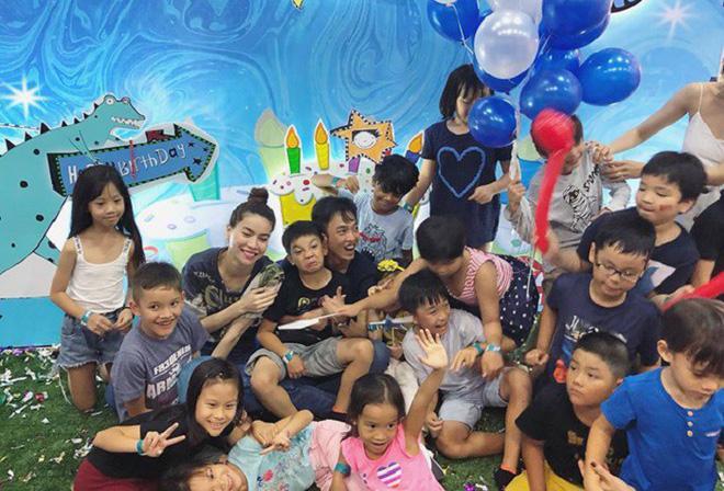 Dù gia đình ly tán, Subeo vẫn được tận hưởng 5 sinh nhật trọn vẹn với sự hiện diện của cả bố lẫn mẹ-12