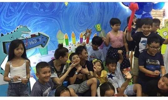 Dù gia đình ly tán, Subeo vẫn được tận hưởng 5 sinh nhật trọn vẹn với sự hiện diện của cả bố lẫn mẹ-13