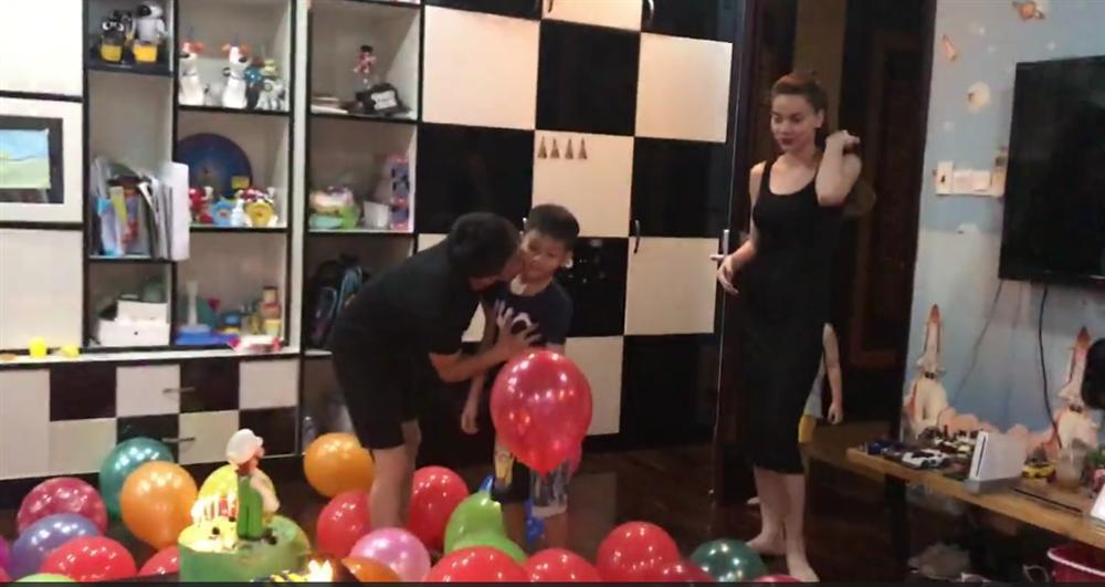 Dù gia đình ly tán, Subeo vẫn được tận hưởng 5 sinh nhật trọn vẹn với sự hiện diện của cả bố lẫn mẹ-8