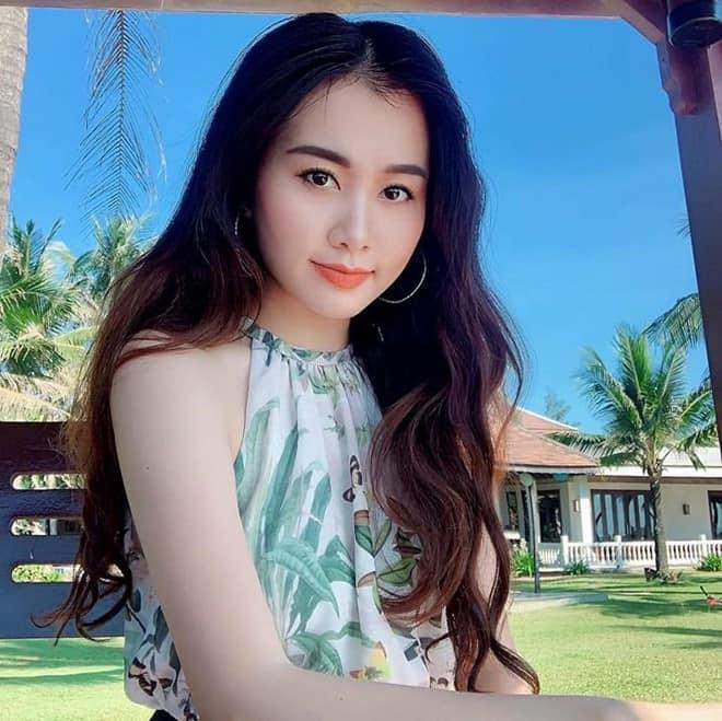 Cả mạng xã hội đang náo loạn trước loạt ảnh về nữ giám thị ở Nghệ An mặt đã đẹp body còn cực nóng bỏng-2