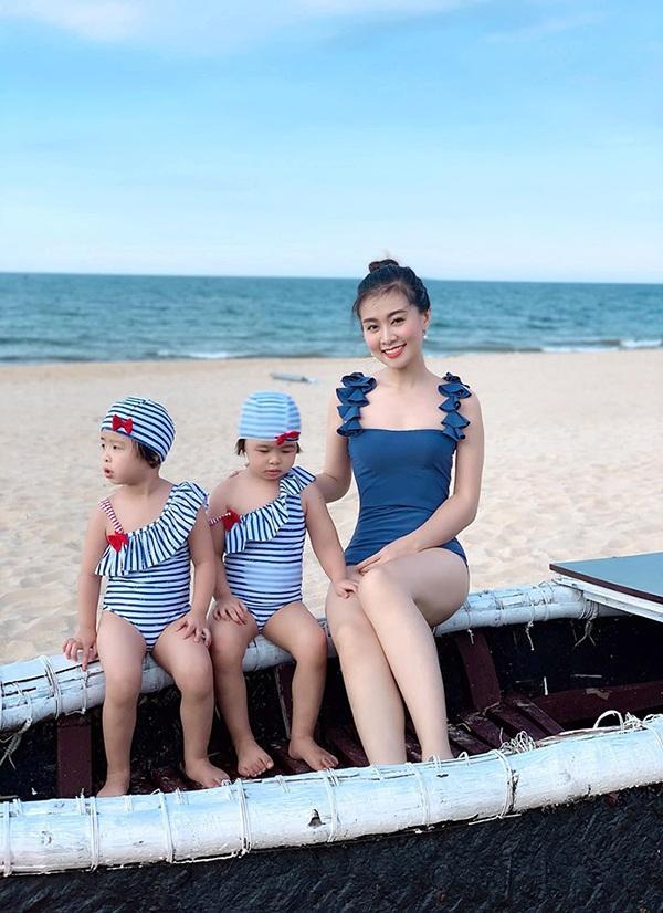 Cả mạng xã hội đang náo loạn trước loạt ảnh về nữ giám thị ở Nghệ An mặt đã đẹp body còn cực nóng bỏng-5