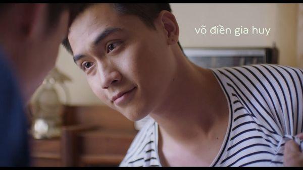 Hoàng thượng của Chi Pu hôn trai đẹp cuồng nhiệt trong phim đam mỹ-3
