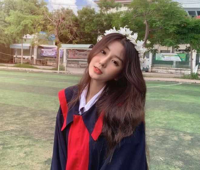Hot girl 2k1 thi THPT quốc gia: Kẻ buồn bã, người trúng tủ môn Văn-1