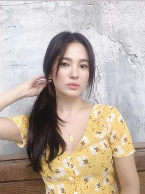 Song Hye Kyo gây thương nhớ khi xuất hiện với mái tóc dài nữ tính-2