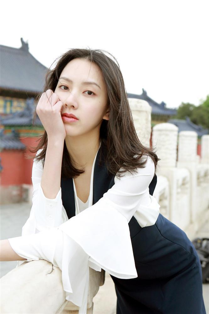 Xôn xao tin đồn cựu thành viên EXO hẹn hò với bản sao Victoria khiến dân tình hoang mang cực độ-5