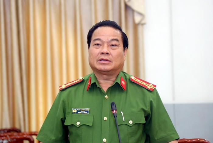 Con ông Nguyễn Hữu Linh phải tạm nghỉ học vì việc của bố-2