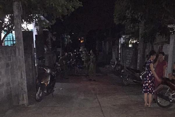 Chồng đánh vợ, đốt nhà rồi cứa cổ tự sát ở Ninh Bình-1