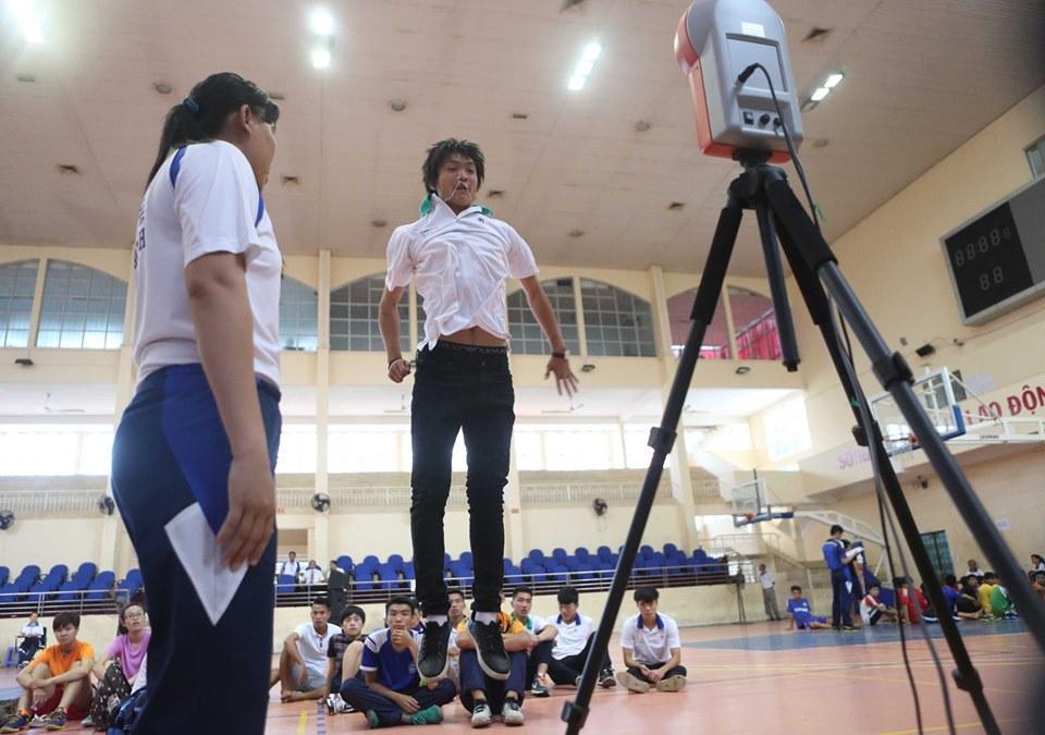 Lộ loạt ảnh dàn cầu thủ tuyển Việt Nam mài đũng quần ngồi làm bài thi, nhiều muối nhất vẫn là Công Phượng-9