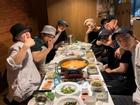EXO liên hoan tiễn D.O. nhập ngũ, cả nhóm ăn 'lấy sức' chuẩn bị bước vào tháng 7 cực kỳ bận rộn