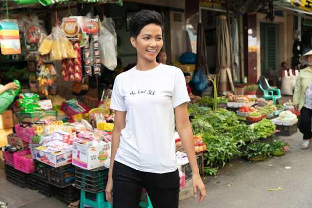 Không chỉ nghiện dép hiệu tổ ong 10 nghìn, HHen Niê còn vô tư dùng đồ ở chợ Bến Thành-5