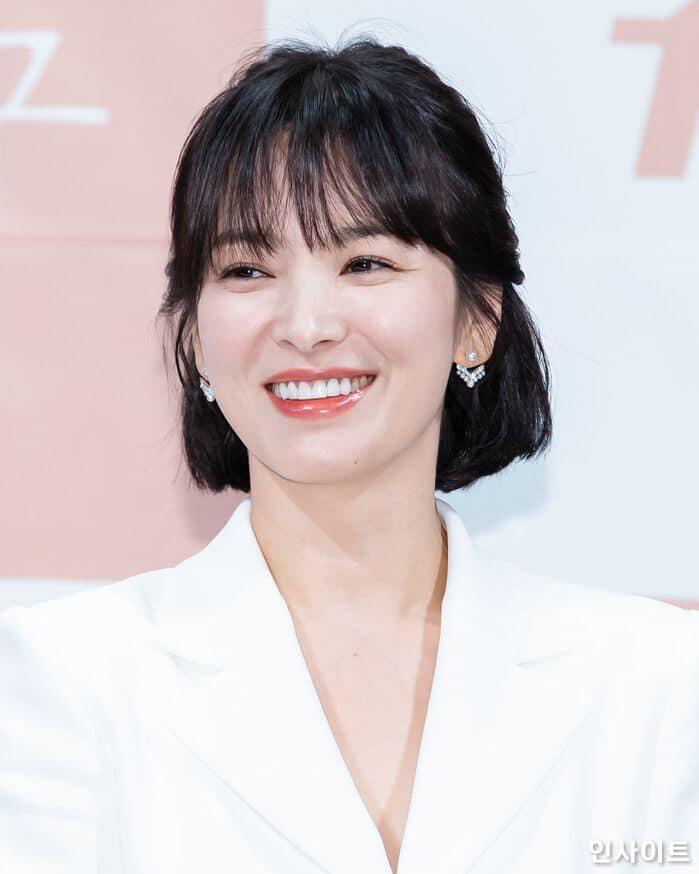 Song Hye Kyo để kiểu tóc nào là tạo trend kiểu tóc nấy, quan trọng nhất là cô ấy luôn đẹp dù có thay đổi như thế nào-10