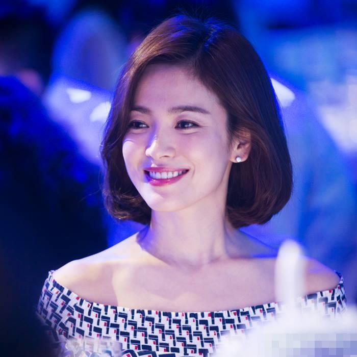 Song Hye Kyo để kiểu tóc nào là tạo trend kiểu tóc nấy, quan trọng nhất là cô ấy luôn đẹp dù có thay đổi như thế nào-6