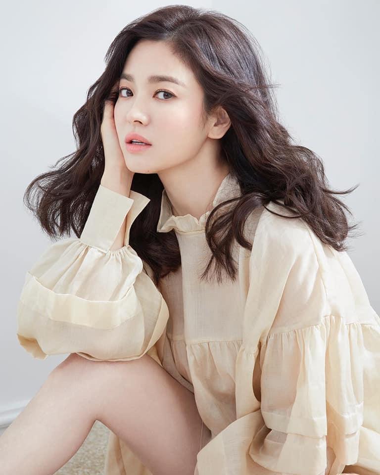 Song Hye Kyo để kiểu tóc nào là tạo trend kiểu tóc nấy, quan trọng nhất là cô ấy luôn đẹp dù có thay đổi như thế nào-14