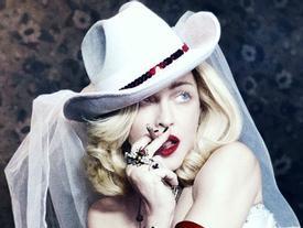 Trở lại sau 4 năm, Madonna khẳng định vị trí 'bà hoàng nhạc pop' với thành tích khủng