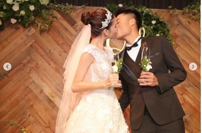 Kỳ Hân - Mạc Hồng Quân kỷ niệm 3 năm ngày cưới: Chàng nguyện lòng đeo tạ, nàng bồi hồi thời khắc bão giông-4