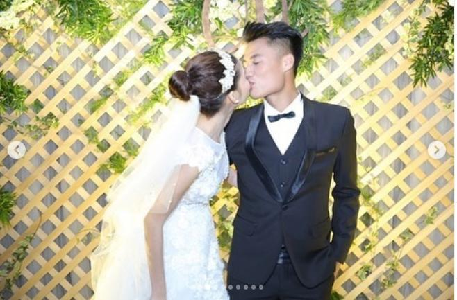 Kỳ Hân - Mạc Hồng Quân kỷ niệm 3 năm ngày cưới: Chàng nguyện lòng đeo tạ, nàng bồi hồi thời khắc bão giông-5