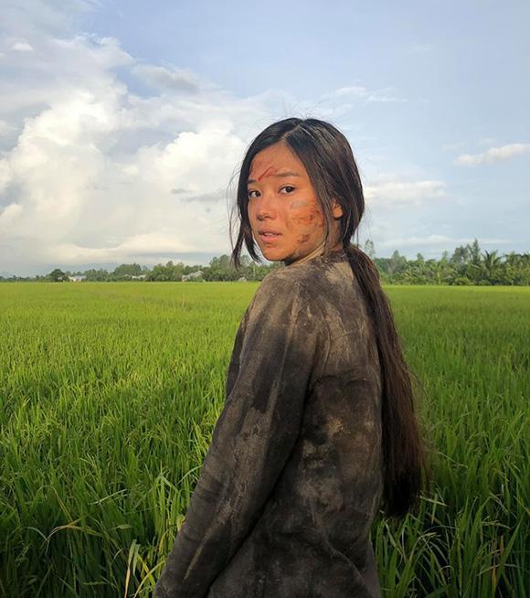 Sao Việt ngâm bùn, tắm sông thối khi đóng phim-1