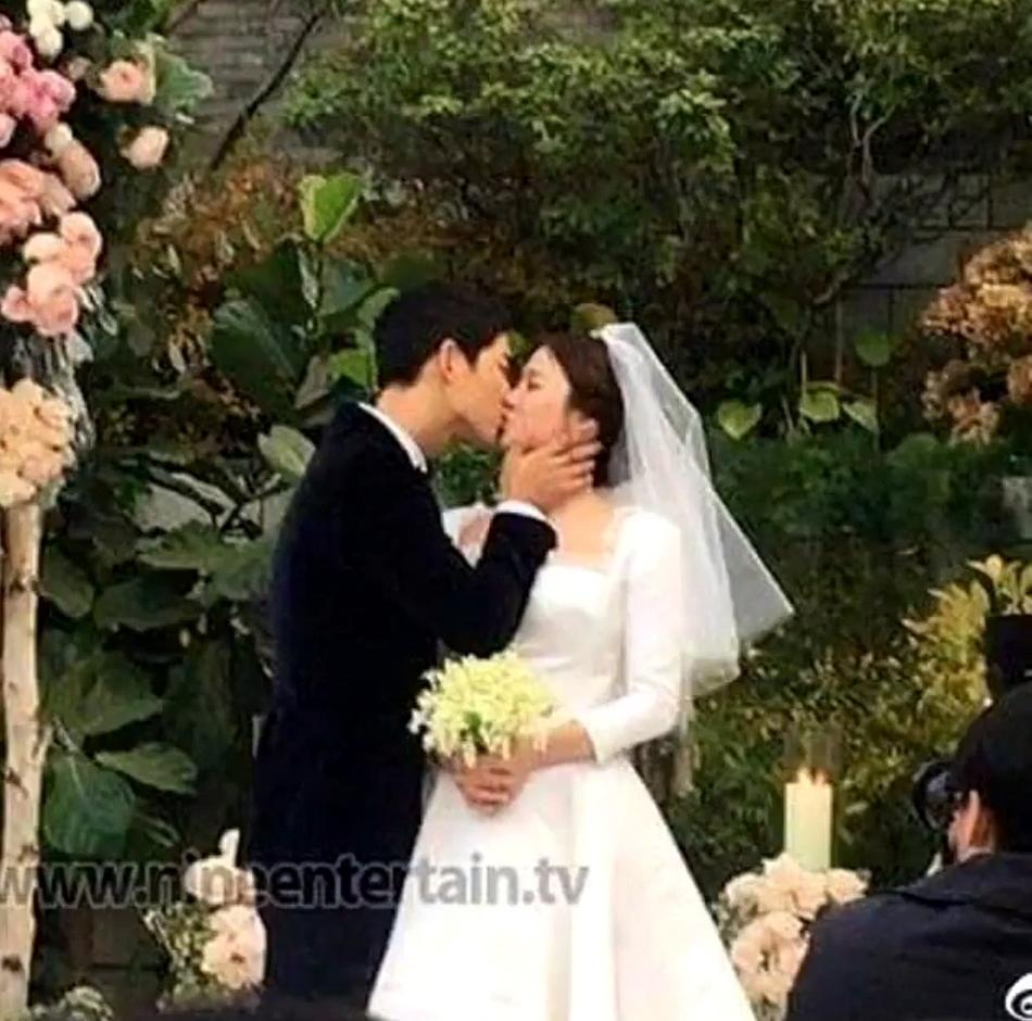 Tua lại những ngày tháng mật ngọt Song Joong Ki - Song Hye Kyo trước khi trình đơn ly dị-4