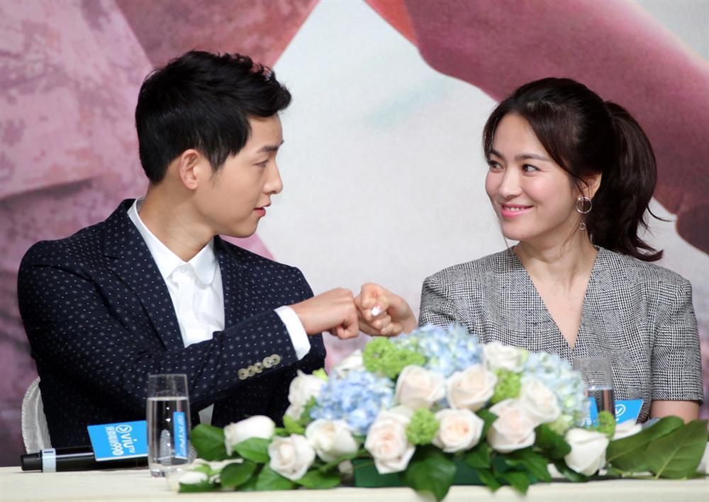 Tua lại những ngày tháng mật ngọt Song Joong Ki - Song Hye Kyo trước khi trình đơn ly dị-13