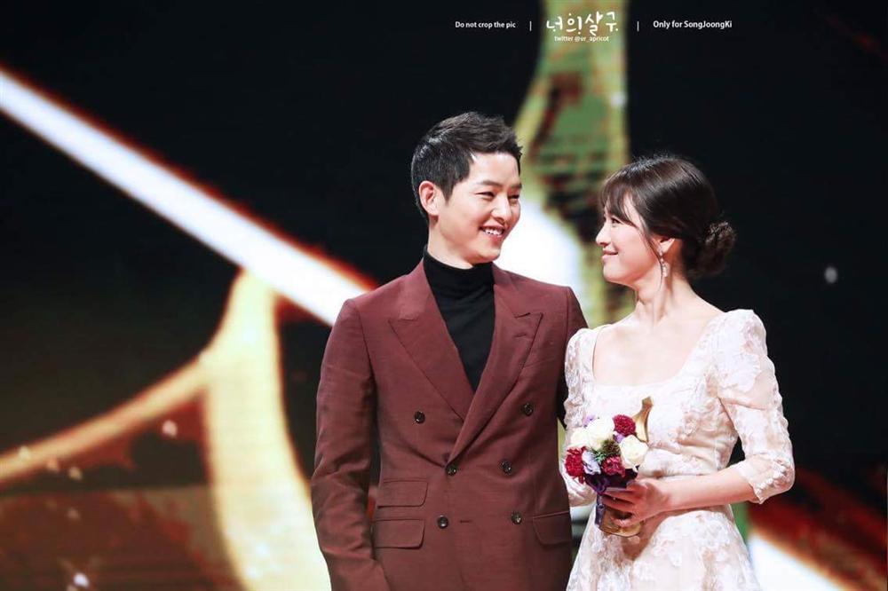 Song Joong Ki - Song Hye Kyo ly hôn: Ngôn tình thề non hẹn biển giờ chết yểu theo lá đơn trình tòa-4